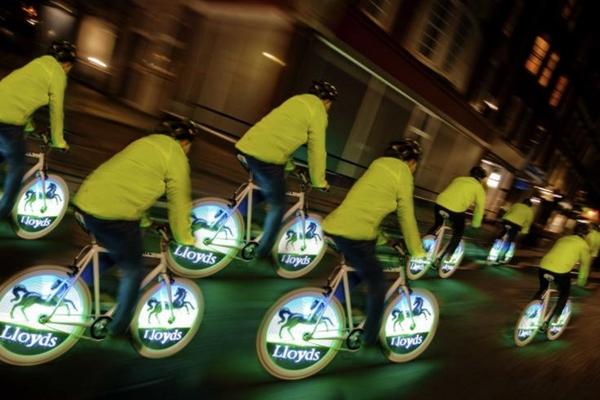 Quảng cáo trên bánh xe đạp Electro Bike (Kino-mo display)