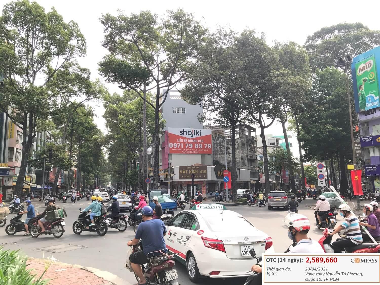 bảng quảng cáo vòng xoay Nguyễn Tri Phương