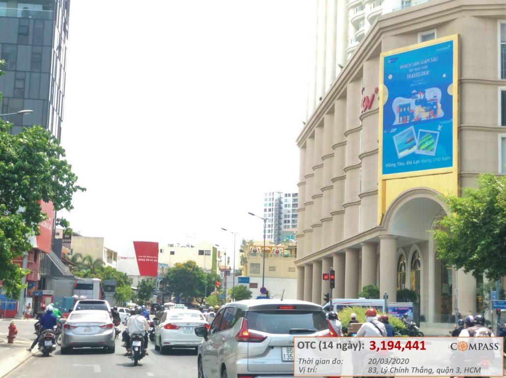 Quảng cáo của Traveloka trên màn hình LED