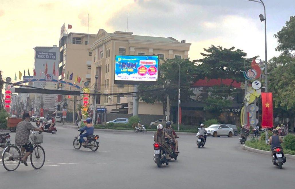 Quảng cáo tại màn hình LED vòng xoay Biên Hùng, Biên Hòa, Đồng Nai