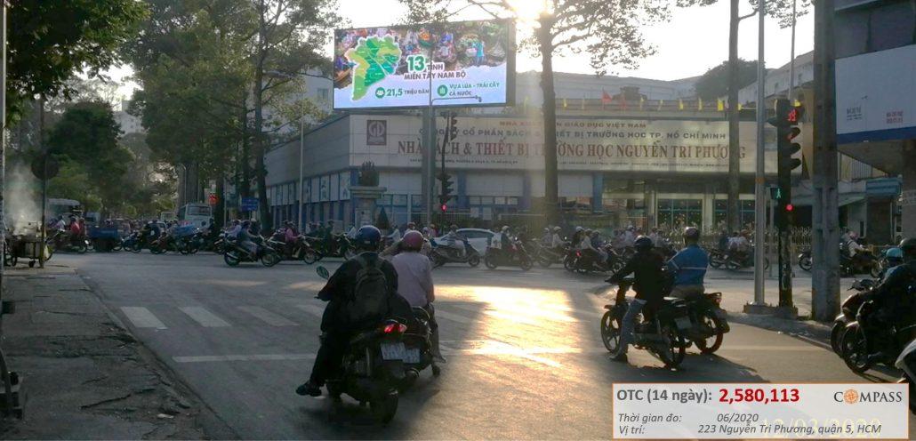 quảng cáo màn hình led ngoài trời ngã tư Nguyễn Tri Phương - Hùng Vương, quận 5