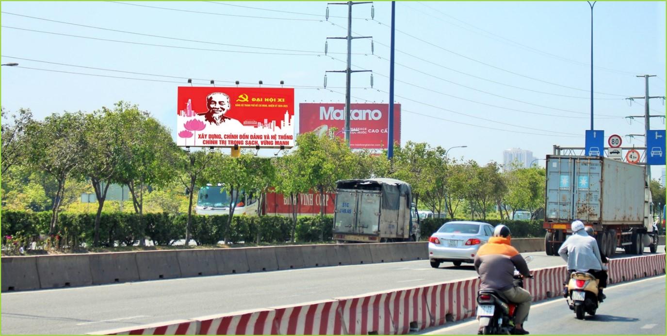Bảng quảng cáo ngã ba Mai Chí Thọ, quận 2, Hồ Chí Minh
