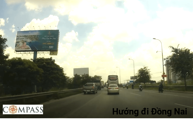 Bảng quảng cáo trụ công viên An Phú, quận 2, Hồ Chí Minh